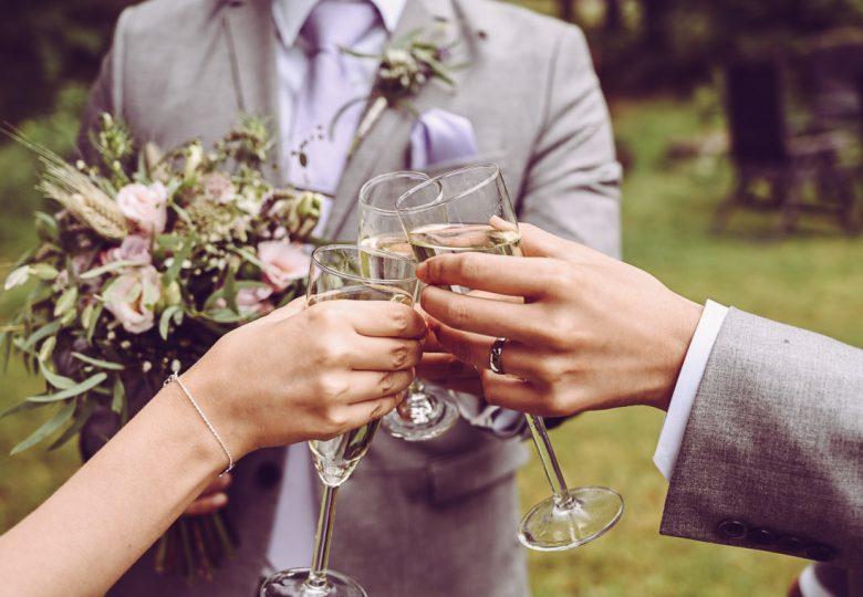 brudskål i småland priser bröllopsfotograf