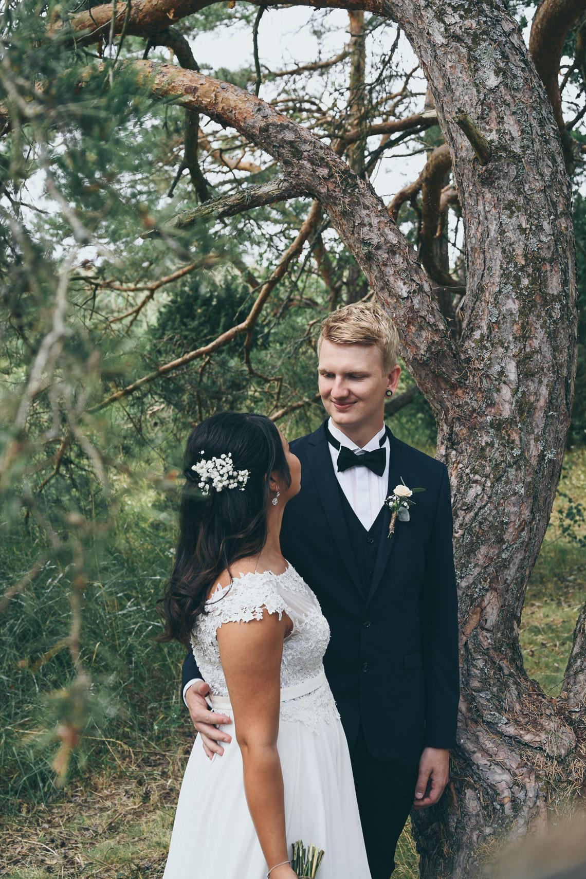 rustikt bröllop i Mönsterås och Oknö fotograf Sandra Hila