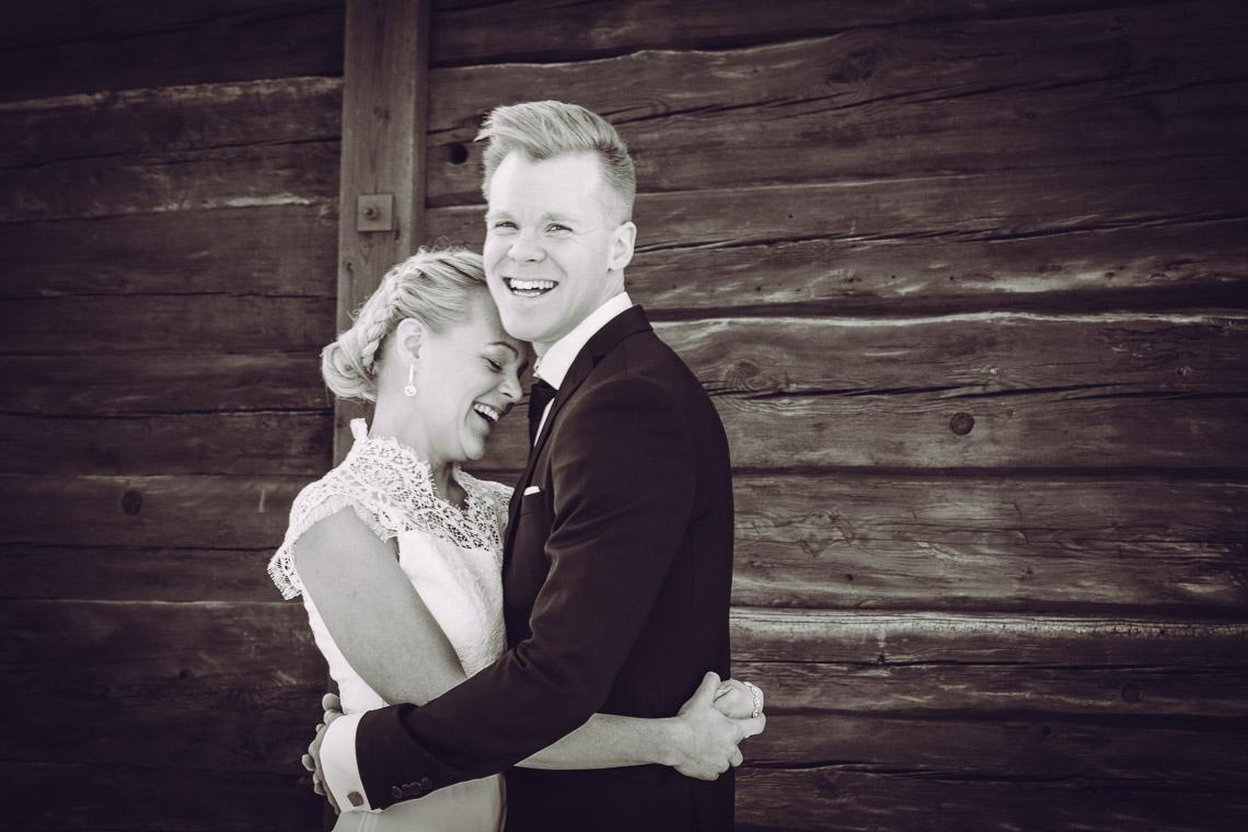Vinterbröllop i Eksjö vintagebröllop porträttbilder på brudpar