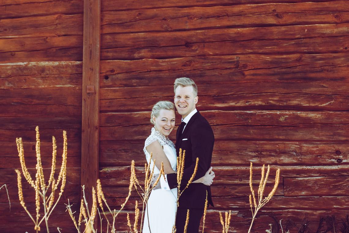 Vinterbröllop i Eksjö vintagebröllop brudpar porträtt priser bröllospfotograf